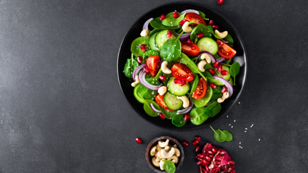 Spinach Salad with Cashews and Pomegranate Seeds