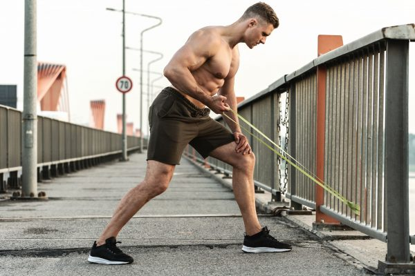 6 Epic Fitness Band Exercises – The 20-Minute Power Workout You Can Do At Home